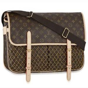 💖MINT💖Authentic Louis Vuitton Large Crossbody